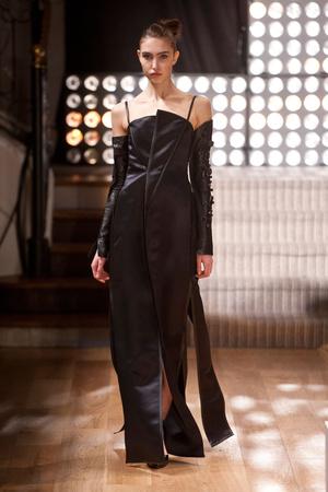Показ Atelier Gustavo Lins коллекции сезона Весна-лето 2013 года haute couture - www.elle.ru - Подиум - фото 479480