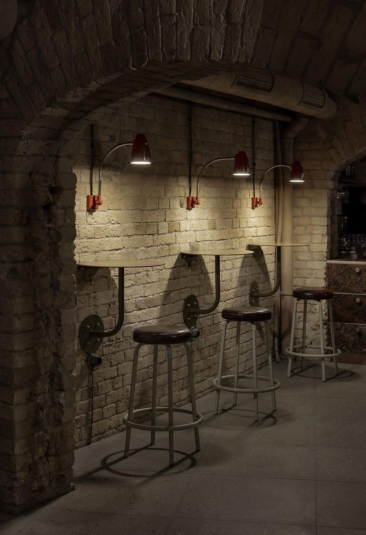 Атмосферный винный бар в Киеве (фото 8)