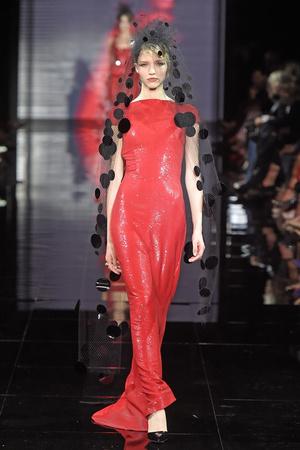 Показ Armani Prive коллекции сезона Осень-зима 2014-2015 года Haute couture - www.elle.ru - Подиум - фото 584938