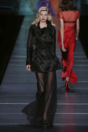 Показ Christian Dior коллекции сезона Весна-лето 2010 года Prêt-à-porter - www.elle.ru - Подиум - фото 119439