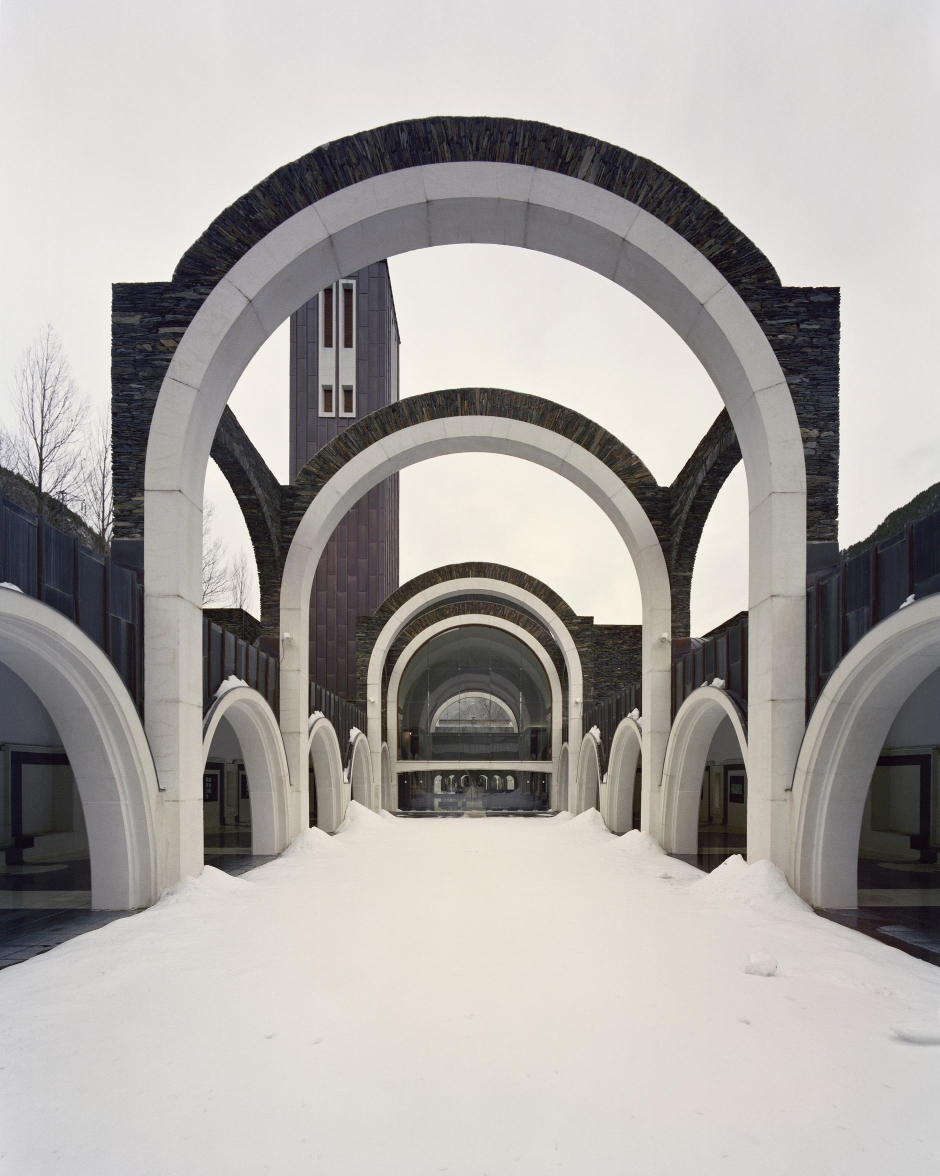 Рикардо Бофилл: самый известный архитектор постмодернизма (галерея 22, фото 0)