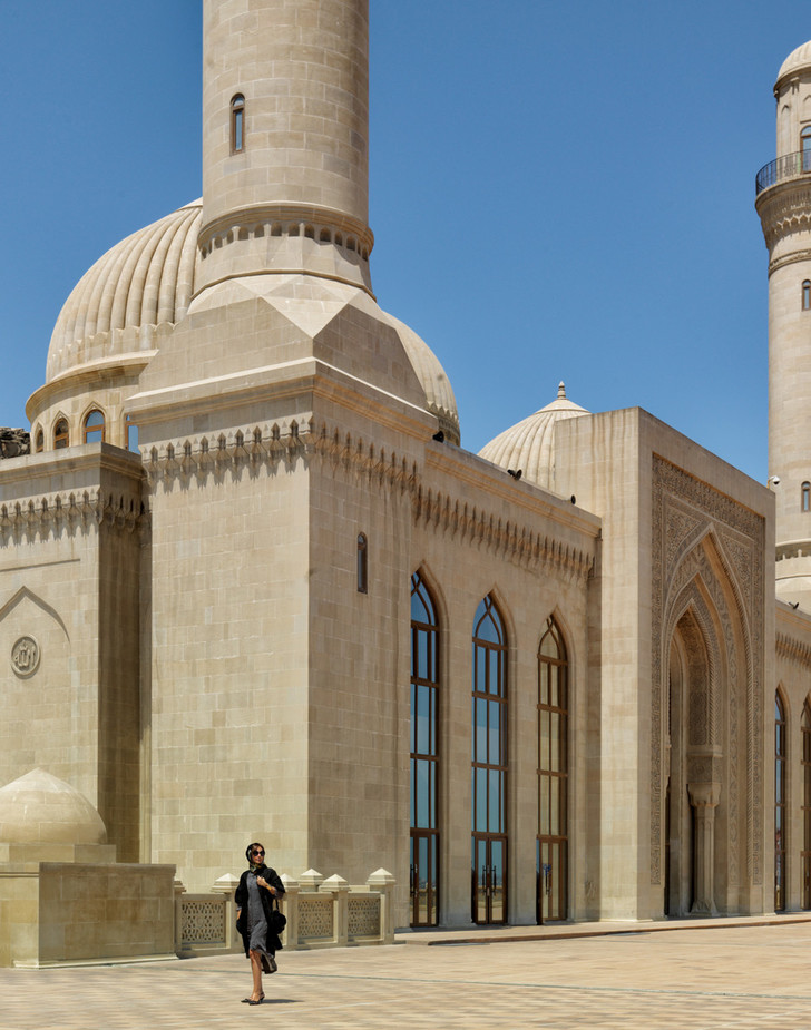 Исламская архитектура: книга Лейлы Улуханли фото [2]