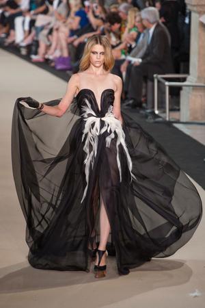Показы мод Stephane Rolland Осень-зима 2012-2013 | Подиум на ELLE - Подиум - фото 1354
