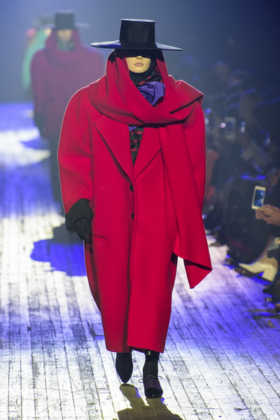 Кайя Гербер на показе Marc Jacobs (галерея 1, фото 1)