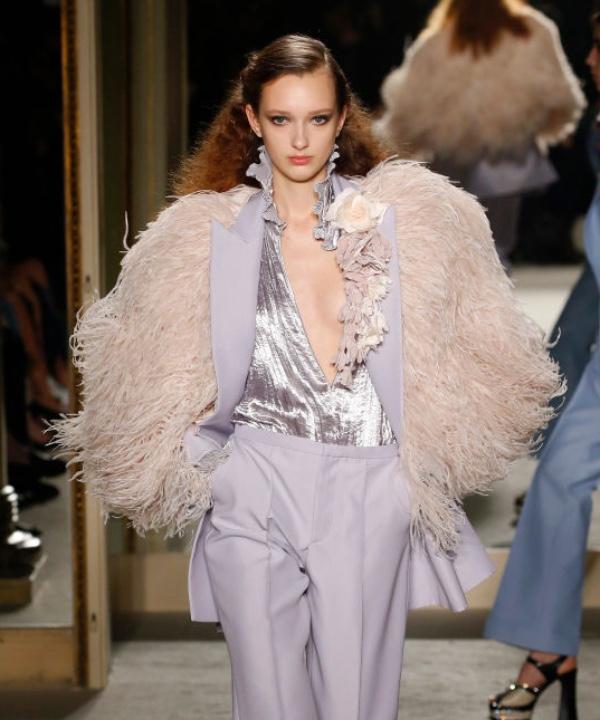 Пастельные оттенки, перья и платформа: осенью 2020 мы будем одеваться очень красиво
