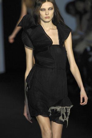 Показ Sophia Kokosalaki коллекции сезона Осень-зима 2009-2010 года prêt-à-porter - www.elle.ru - Подиум - фото 99714