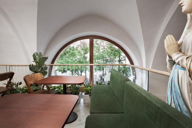 Кафе в бывшем иезуитском монастыре в Чехии (фото 10)