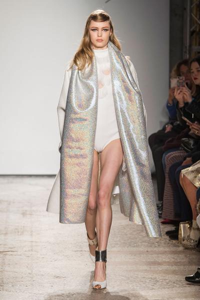 Самые красивые образы Недели моды в Милане   галерея [1] фото [22]