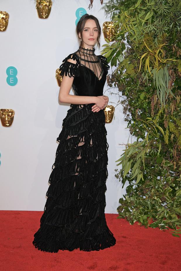 Британский стиль: 9 лучших платьев и 1 смокинг на BAFTA-2019 (фото 4)