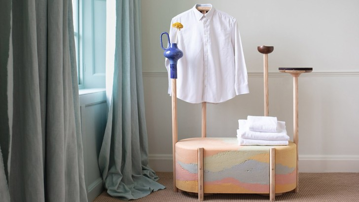 Необычные вешалки для одежды для отеля в Англии (фото 4)