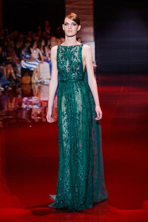 Показ Elie Saab коллекции сезона Осень-зима 2013-2014 года Haute couture - www.elle.ru - Подиум - фото 556197
