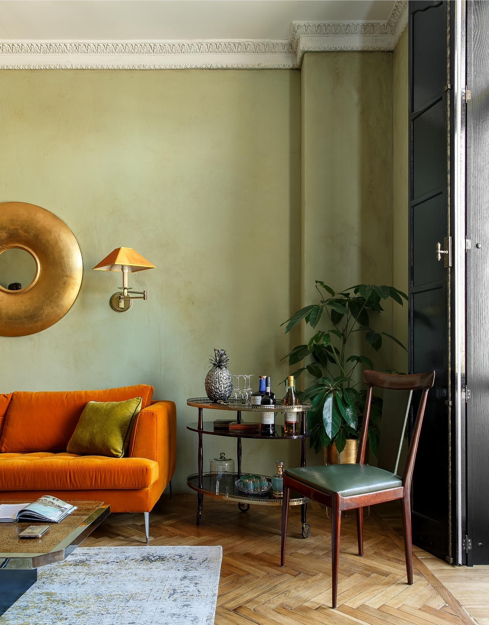 Терапия цветом: 30 проектов ярких гостиных (галерея 0, фото 20)