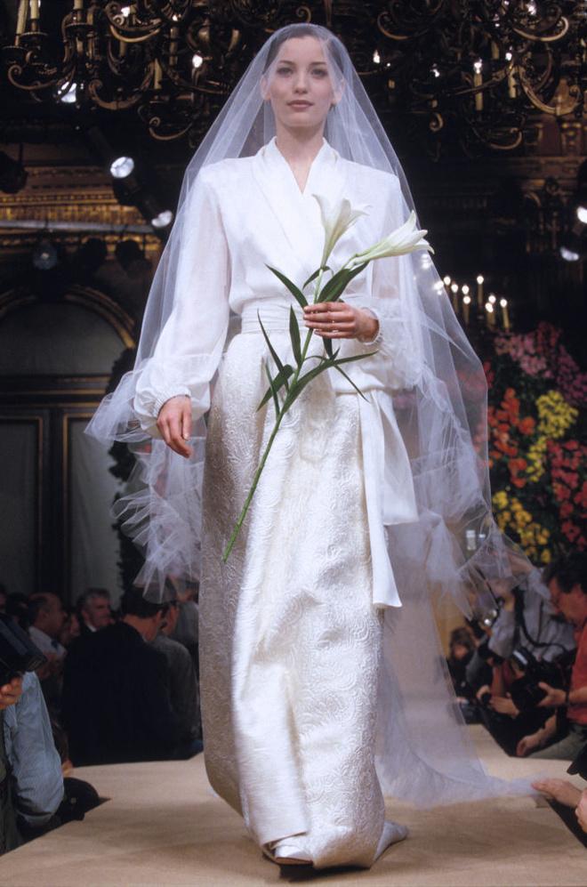 10 культовых свадебных платьев Ива-Сен Лорана (фото 4)