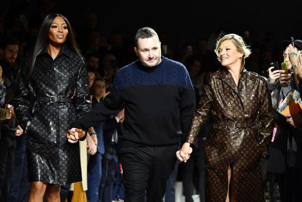 Наоми Кэмпбелл и Кейт Мосс закрыли шоу Louis Vuitton в Париже (фото 5)