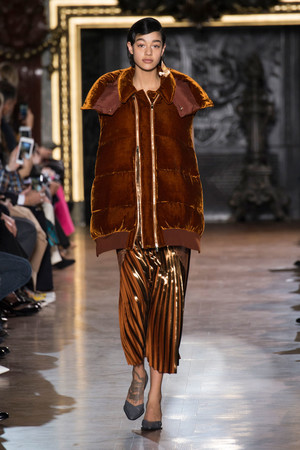 Показы мод Stella McCartney Осень-зима 2016-2017 | Подиум на ELLE - Подиум - фото 4548