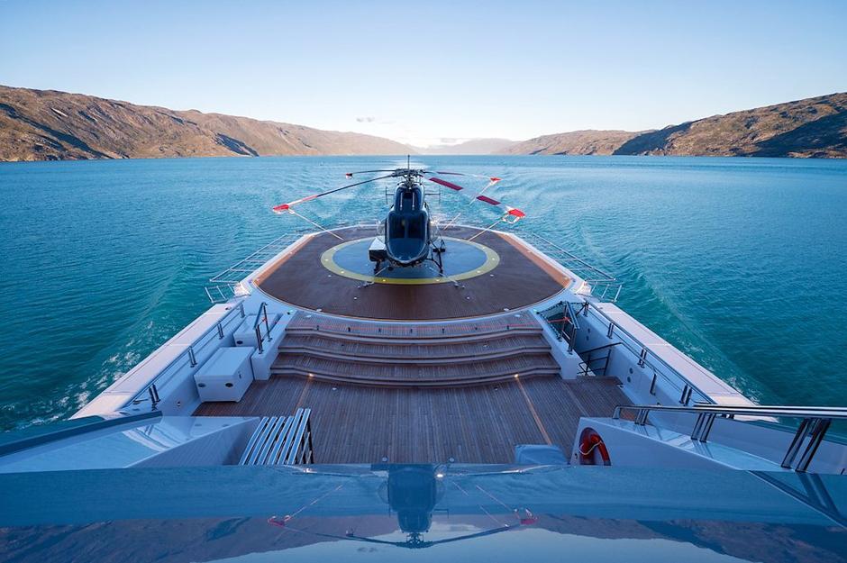 Морская прогулка: парусники и яхты от известных дизайнеров | галерея [7] фото [17]