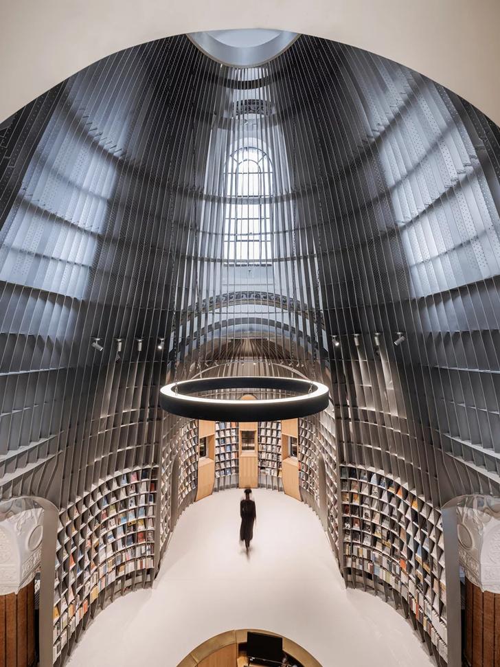 Книжный магазин в Шанхае (фото 7)