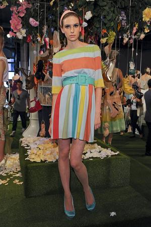 Показ Alice + Olivia коллекции сезона Весна-лето 2012 года prêt-à-porter - www.elle.ru - Подиум - фото 295304