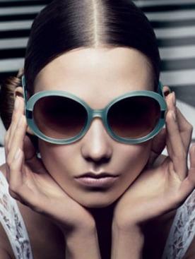 Карли Клосс в рекламе Oscar de la Renta весна-лето 2012