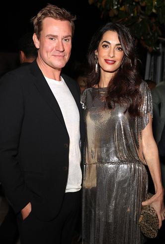 Образ дня: Амаль Клуни в винтажном платье Gianni Versace фото [1]