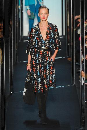 Показы мод Diane Von Furstenberg Осень-зима 2011-2012 | Подиум на ELLE - Подиум - фото 2387