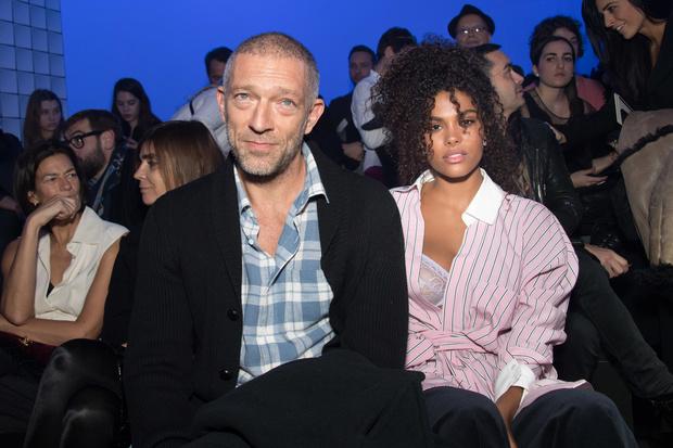 Венсан Кассель и Тина Кунаки на Неделе Высокой моды в Париже (фото 4)