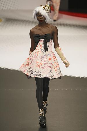 Показы мод Jean-Charles de Castelbajac Осень-зима 2009-2010 | Подиум на ELLE - Подиум - фото 3124