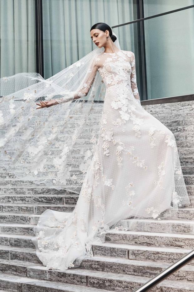 16 платьев из новой свадебной коллекции  Naeem Khan (фото 3)