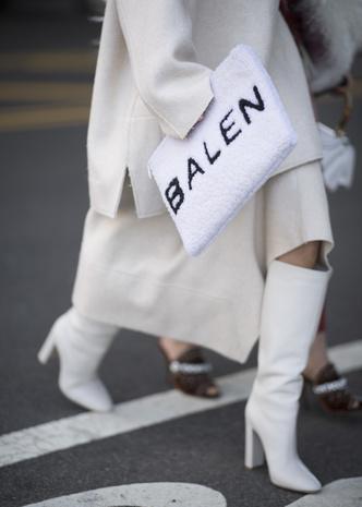 Что носят на Неделе моды в Нью-Йорке: 12 стритстайл-трендов (фото 11.1)
