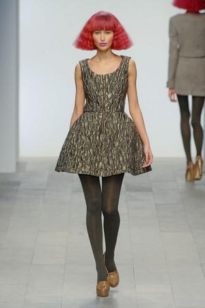 Показы мод Paul Costelloe Осень-зима 2011-2012 | Подиум на ELLE - Подиум - фото 2309