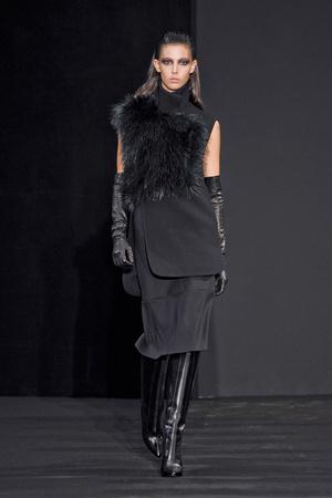 Показ Costume National коллекции сезона Осень-зима 2012-2013 года prêt-à-porter - www.elle.ru - Подиум - фото 380885