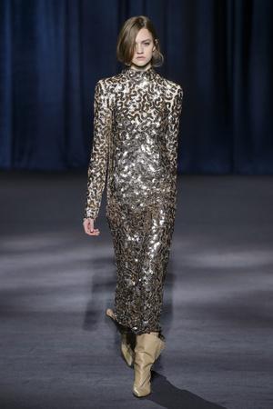 Показ Givenchy коллекции сезона осень-зима  2018-2019 года Prêt-à-porter - www.elle.ru - Подиум - фото 713271