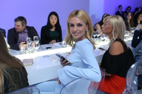 Смарт-fashion: Samsung выступил на Неделе моды в Москве   галерея [1] фото [2]