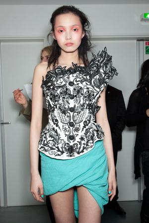 Показ Vivienne Westwood коллекции сезона Осень-зима 2012-2013 года Prêt-à-porter - www.elle.ru - Подиум - фото 380650