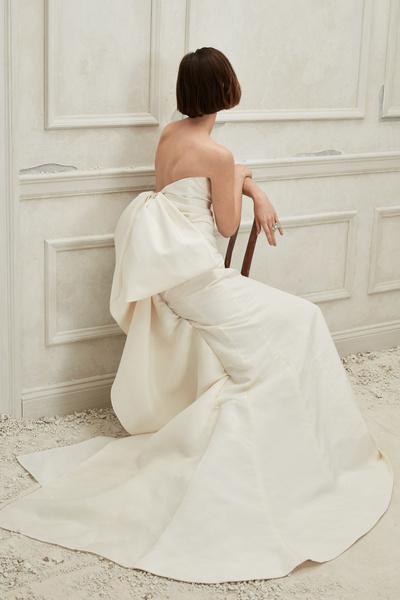 14 свадебных платьев невероятной красоты из новой коллекции Oscar de la Renta (галерея 2, фото 1)