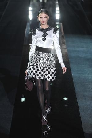 Показ Dolce & Gabbana коллекции сезона Осень-зима 2009-2010 года Prêt-à-porter - www.elle.ru - Подиум - фото 95065