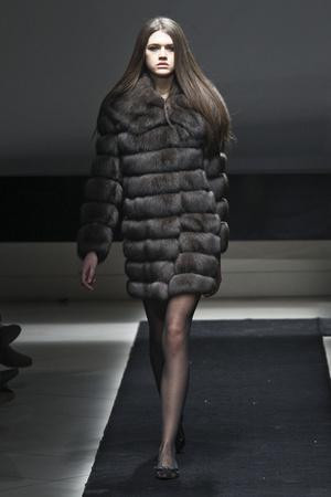 Показ Simonetta Ravizza коллекции сезона Осень-зима 2011-2012 года prêt-à-porter - www.elle.ru - Подиум - фото 242746