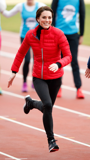 Как Кейт Миддлтон быстро привела себя в форму после третьей беременности? (фото 10)