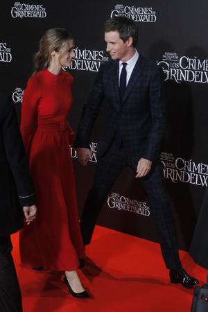 Эдди Редмэйн с женой на премьере в Мадриде (фото 1.1)