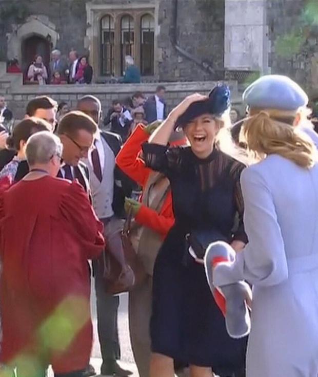 Свадьба принцессы Евгении: как ее увидели гости (фото 12)