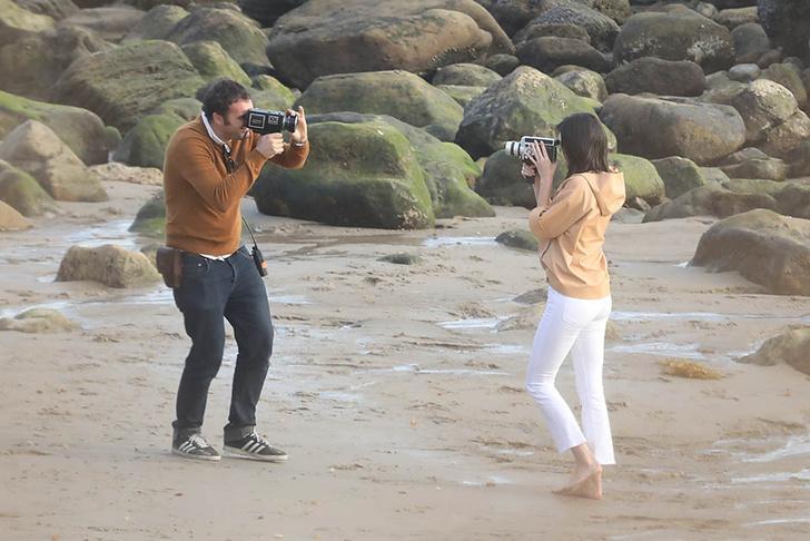 Кино или реальность? Кендалл Дженнер в объятиях незнакомца на пляже фото [1]
