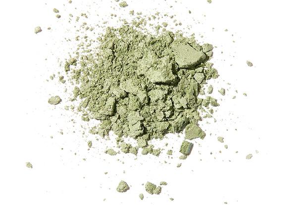 Beauty-тренд сезона: мятно-зеленый (фото 7)