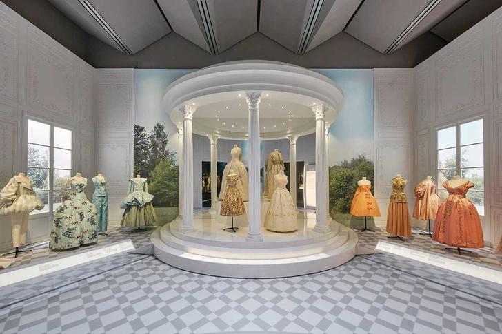 Выставка «Кристиан Диор: дизайнер мечты» в Лондоне (фото 6)