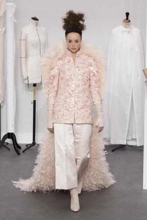Показ Chanel коллекции сезона Осень-зима 2016-2017 года Haute couture - www.elle.ru - Подиум - фото 607051