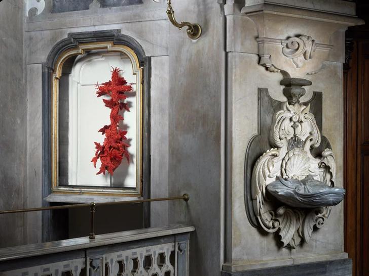 Корраловые скульптуры Яна Фабра для церкви в Неаполе (фото 0)